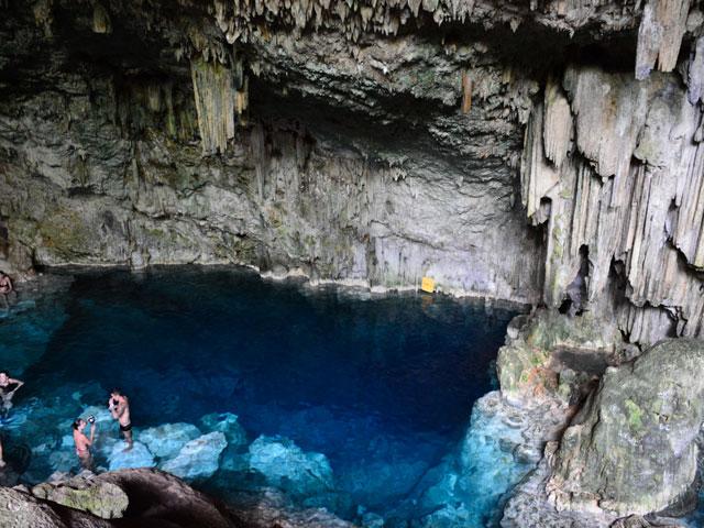 Cueva-Saturno-r